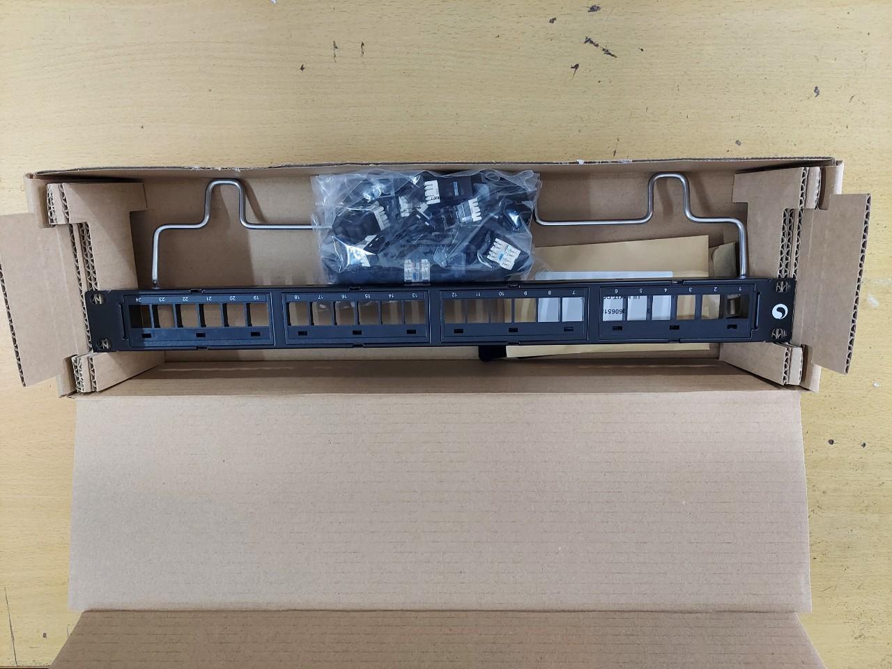 Patch Panel 24 port Cat6 Commscope 760237040, 9-1375055-2
