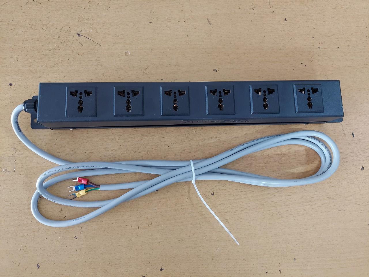"""Thanh nguồn PDU 6 ổ cắm điện Rack 19"""" 1U"""